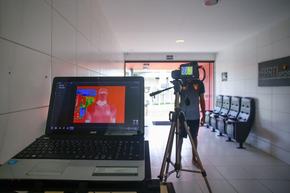 Câmera termográfica utilizada pelo Sport para medir temperaturas — Foto: Anderson Stevens / Sport Club do Recife
