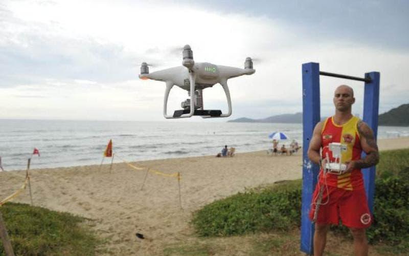 Bombeiros começam testes com drones