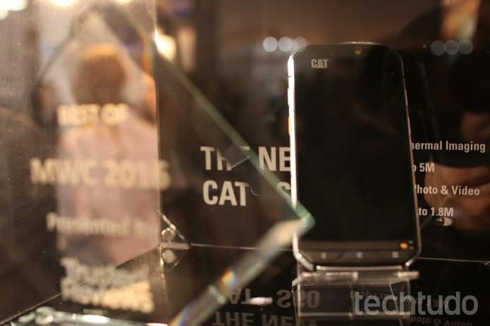 Celular CAT S60 tem câmera térmica