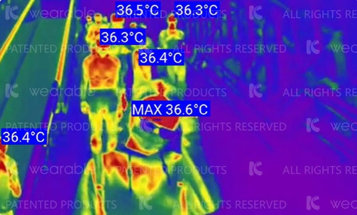Italia usa capacete futurista para medir temperatura